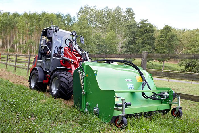 Weidemann Hoftrac 1380 cabin application with flail mower
