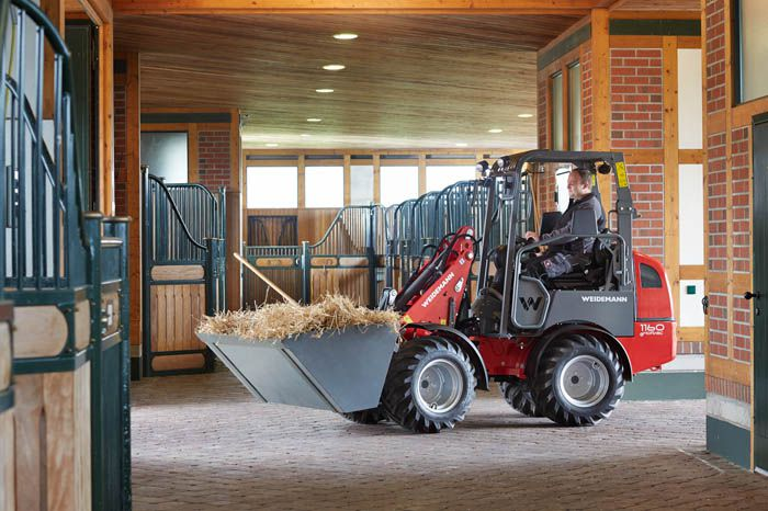 Weidemann 1160 eHoftrac application in the stables