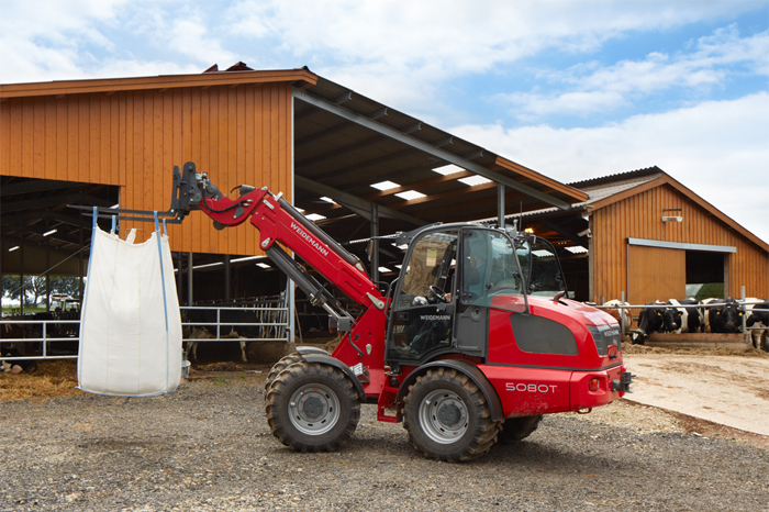 Weidemann telescopic wheel loader 5080T with pallet fork application 1