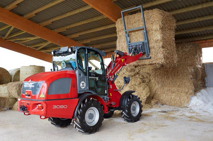 Weidemann wheel loader 3080 application with large bale gripper