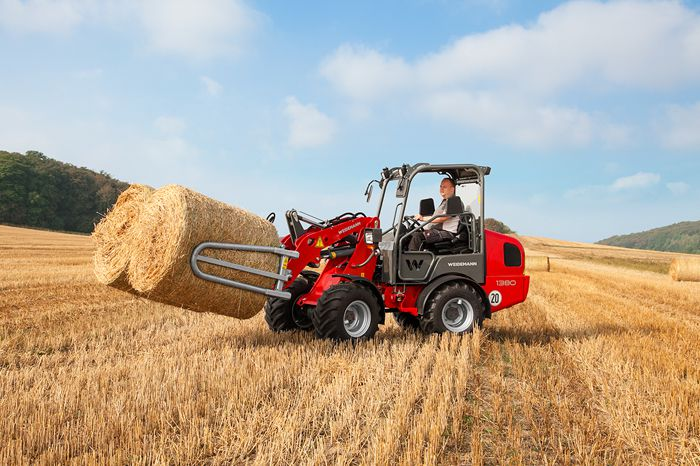 Weidemann wheel loader 1380 FSD application with round and square bale gripper