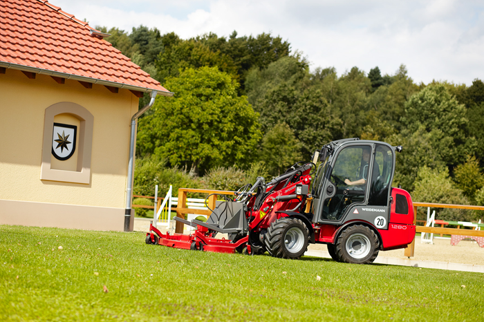 Weidemann Hoftrac 1280 application with rotary mower