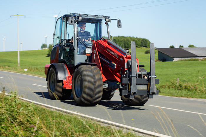 Weidemann telescopic wheel loader 4080T with fold-down pallet fork application