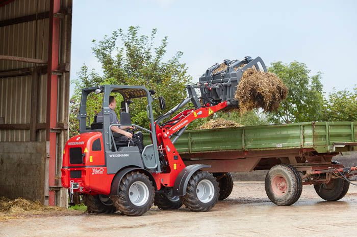 Weidemann 1160 eHoftrac application loading manure