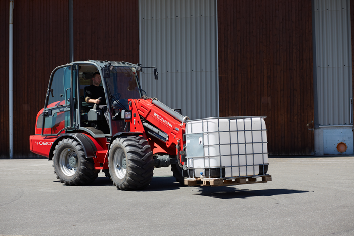Weidemann telescopic wheel loader 4080T with pallet fork application